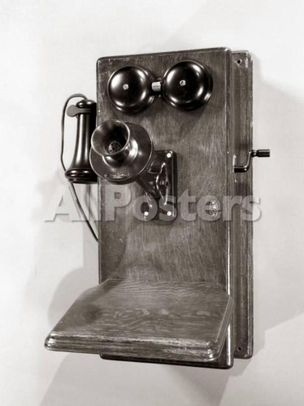 Wall crank phone