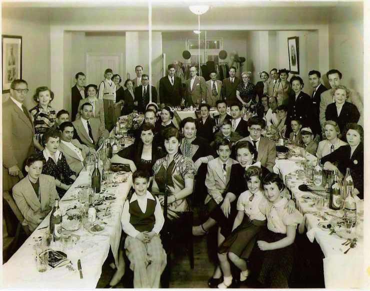 Cohen Family Seder, 1953.jpg